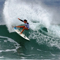 girl_surfing_200
