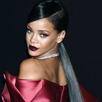 Rihanna-Vogue-200