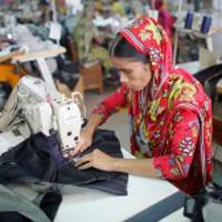 bangladesh-garment-worker-200