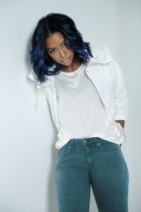 Justine Skye, a singer/songwriter, in Uniqlo's Made In LA jeans. Image by Uniqlo.